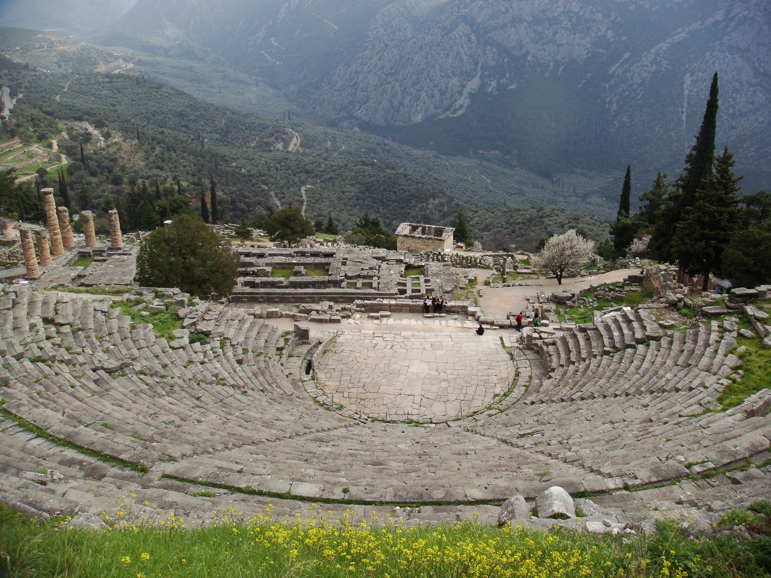 hiking-to-delphi-4